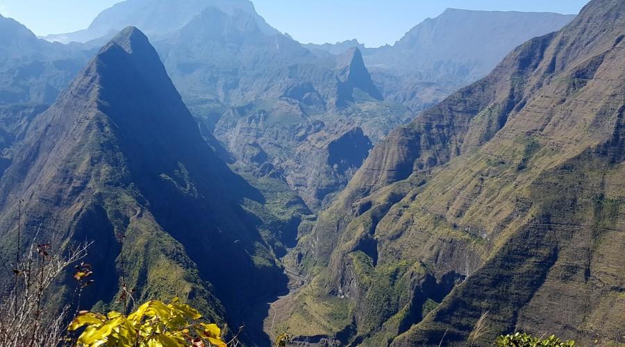 Découvrez l'histoire fascinante, la langue et la culture de la Réunion